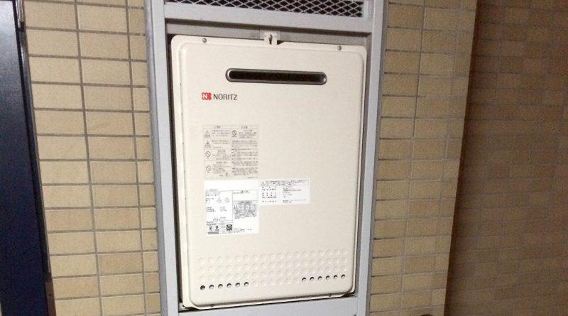 [東京都足立区]マンションPSの給湯器交換工事