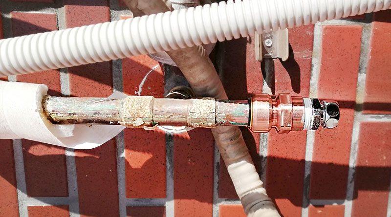 [東京都国立市]屋外の露出給水管の漏水修理